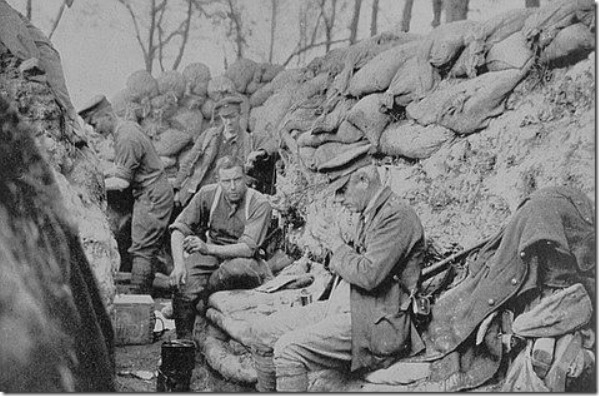 Hulme's company in the trenches at St Eloi